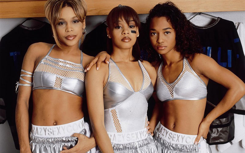 Photo of 90's R&B artist TLC