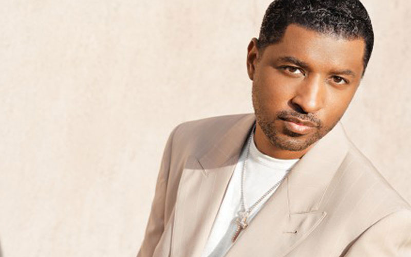 Photo of 90's R&B artist Babyface