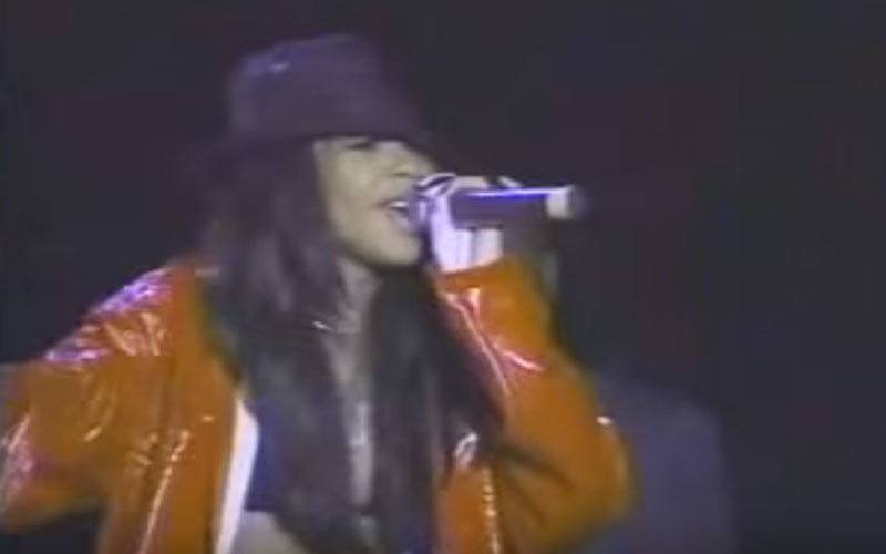 Image still of the music video 4 page letter (LIVE) by aaliyah