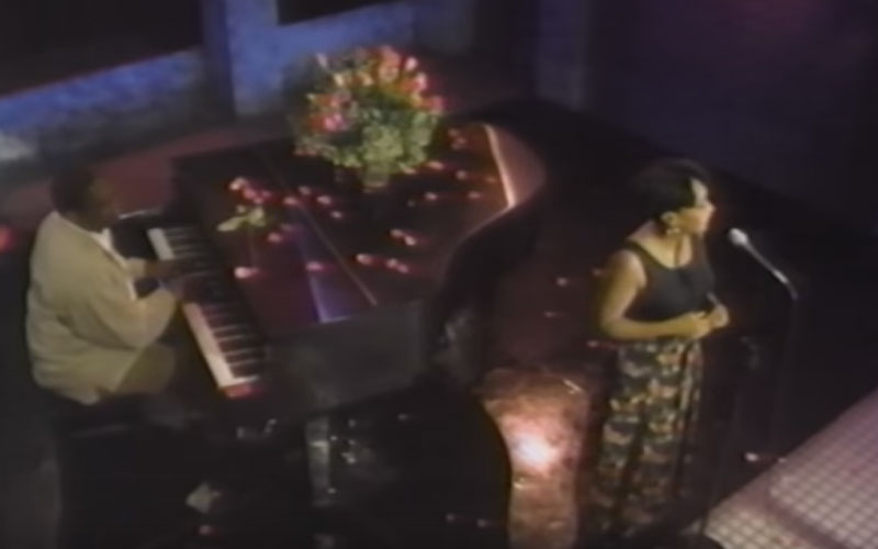 Image still of the music video i apologize (LIVE) by anita baker