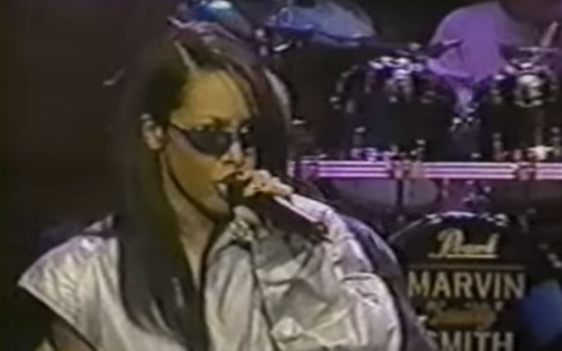 Image still of the music video one in a million (LIVE) by aaliyah